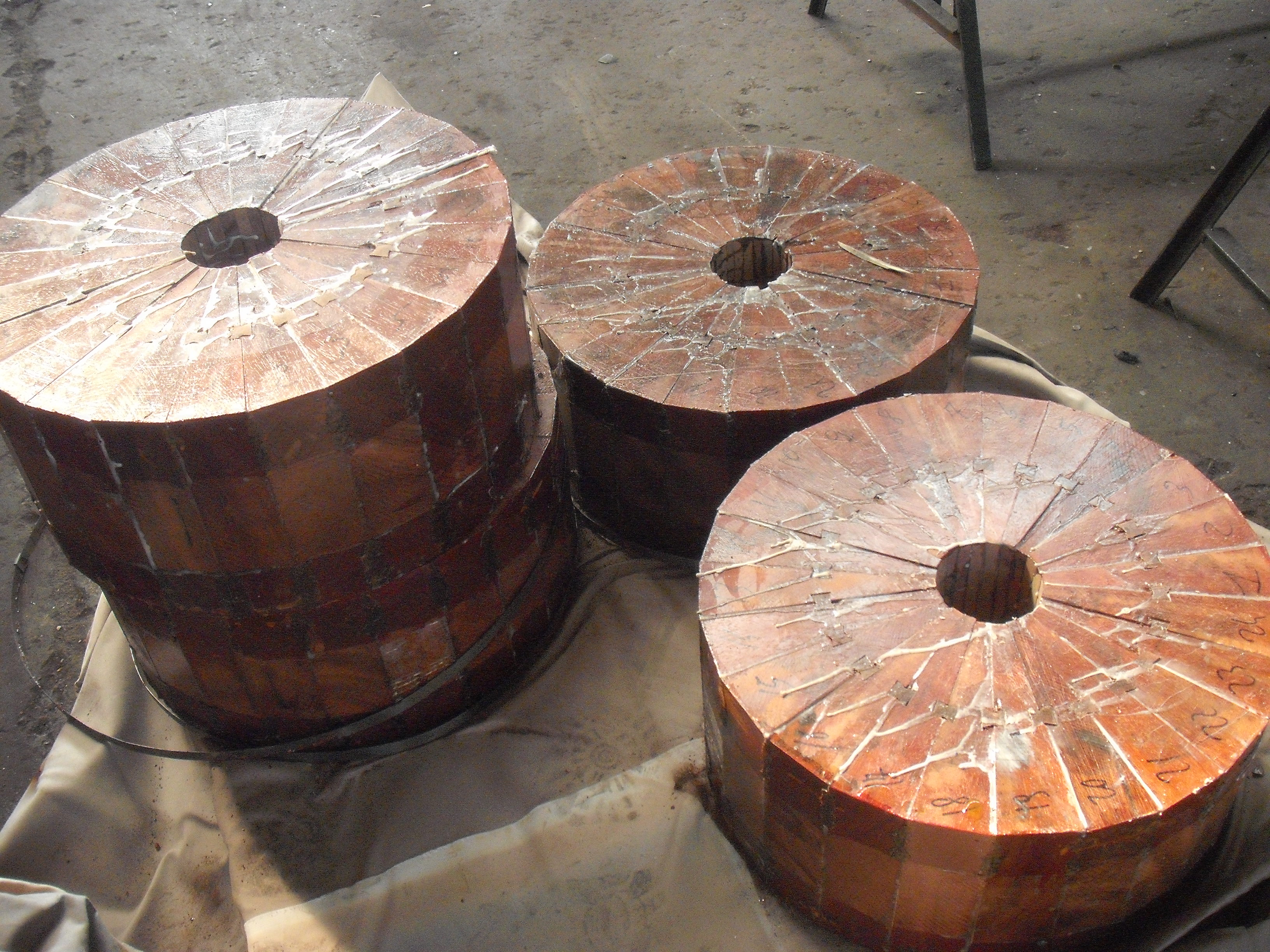 WOODEN CYLINDERS FOR FULLING